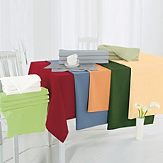 Sander stain resistant table runner Gala