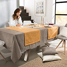 Erwin Müller jacquard table runner
