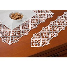 narrow table runner
