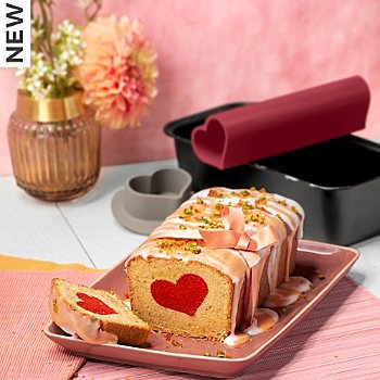 Kaiser Backen  loaf pan with heart motif