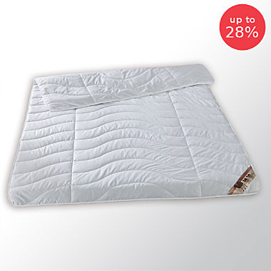 Light-weight camel hair duvet