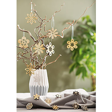 decoration scatter flowers