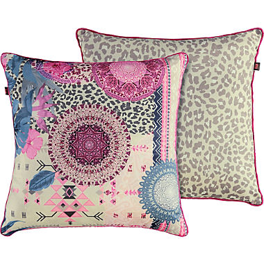 Hip filled cushion