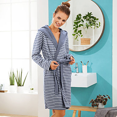 Schiesser women's hooded bathrobe